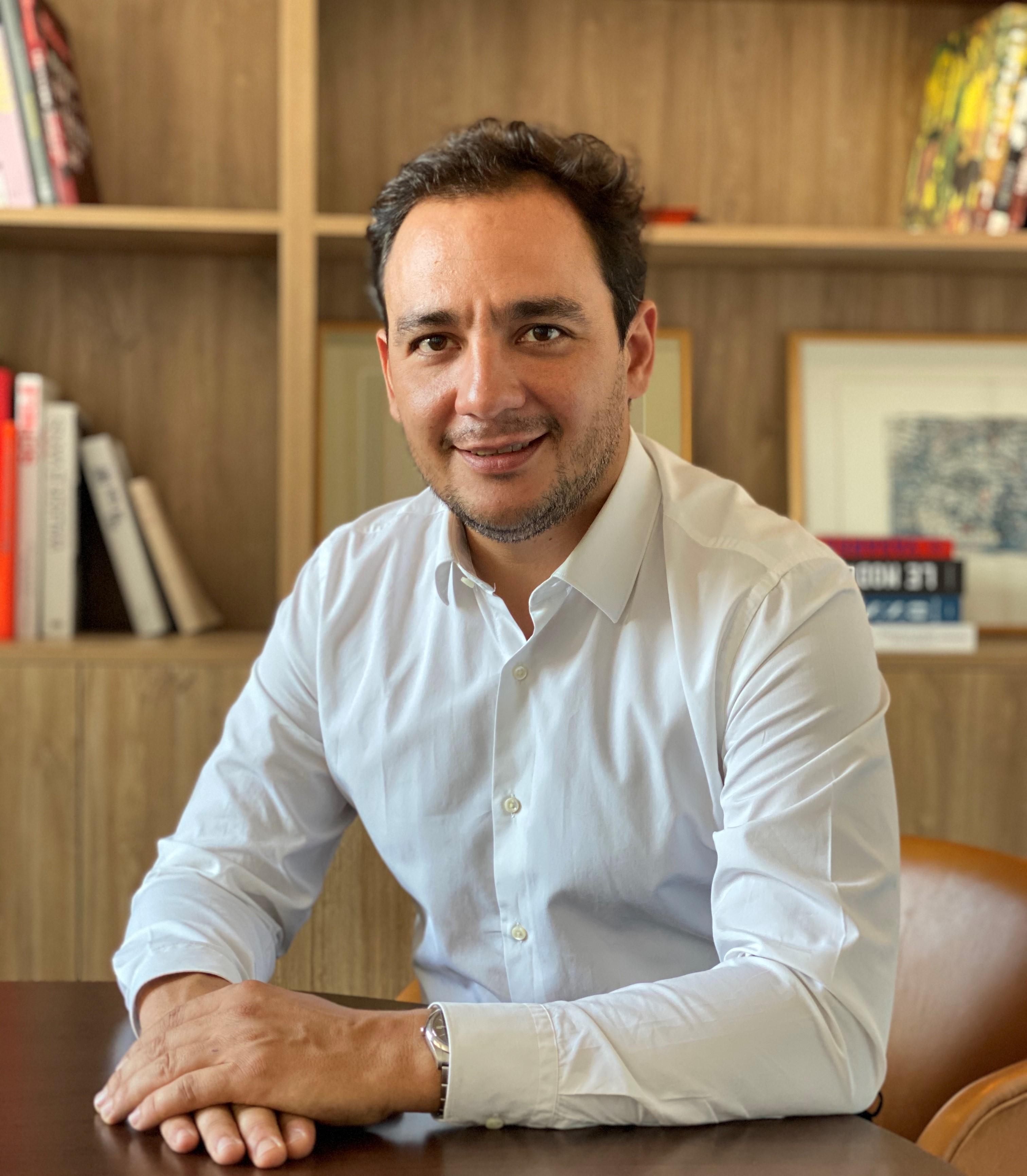 Louis Espinassou / Photo de profil - Chemise